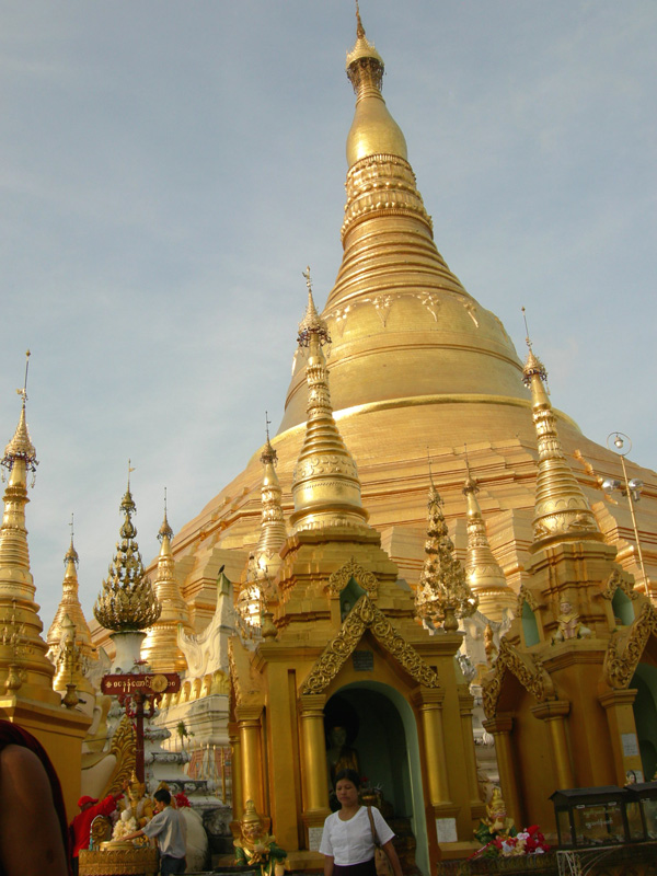 Rangoon. Shwedagon Stupa